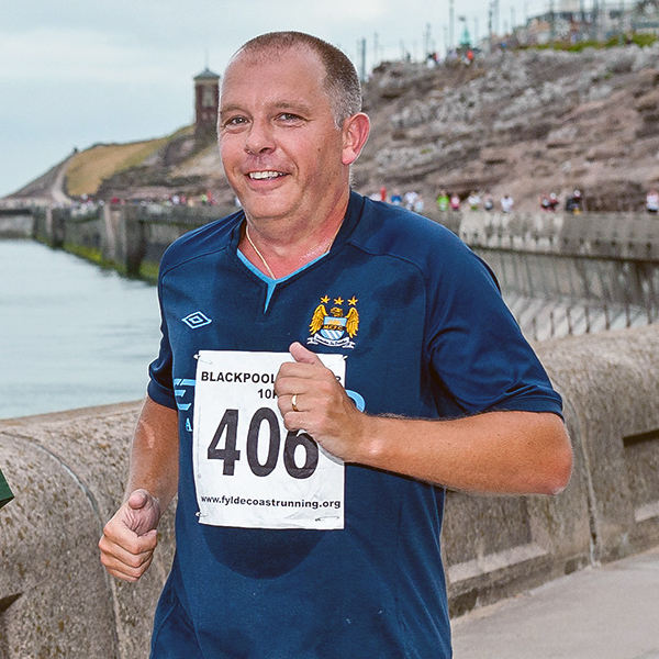 Chris Waddington walks from Everton to Manchester City to raise £10,000 in memory of his baby daughter